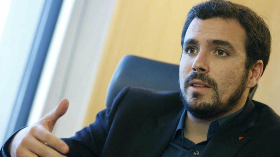 Alberto Garzón cree que el PSOE tiene «una patata caliente encima de su mesa» con el 'caso Corinna'