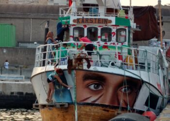 Detenida la Flotilla de la Libertad a 49 millas de la costa palestina