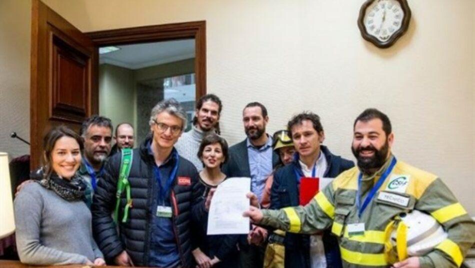 Unidos Podemos lanza una ofensiva institucional para que el Gobierno desarrolle una Ley de Servicios de Emergencia