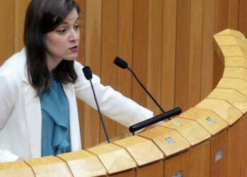 Eva Solla esixe ao Goberno da Xunta que retire os expedientes do persoal auxiliar de enfermería de Vigo