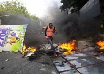El gobierno haitiano da marcha atrás en sus planes tras los disturbios de ayer en Puerto Príncipe