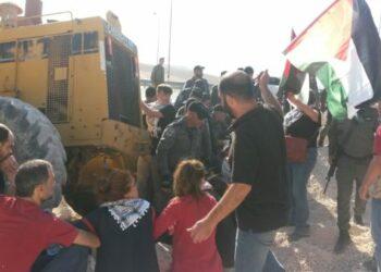 Israel inicia la demolición de Khan Al Ahmar empleando violencia contra manifestantes
