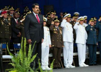 Maduro denuncia pretensiones de Colombia de infiltrar paramilitares en Venezuela