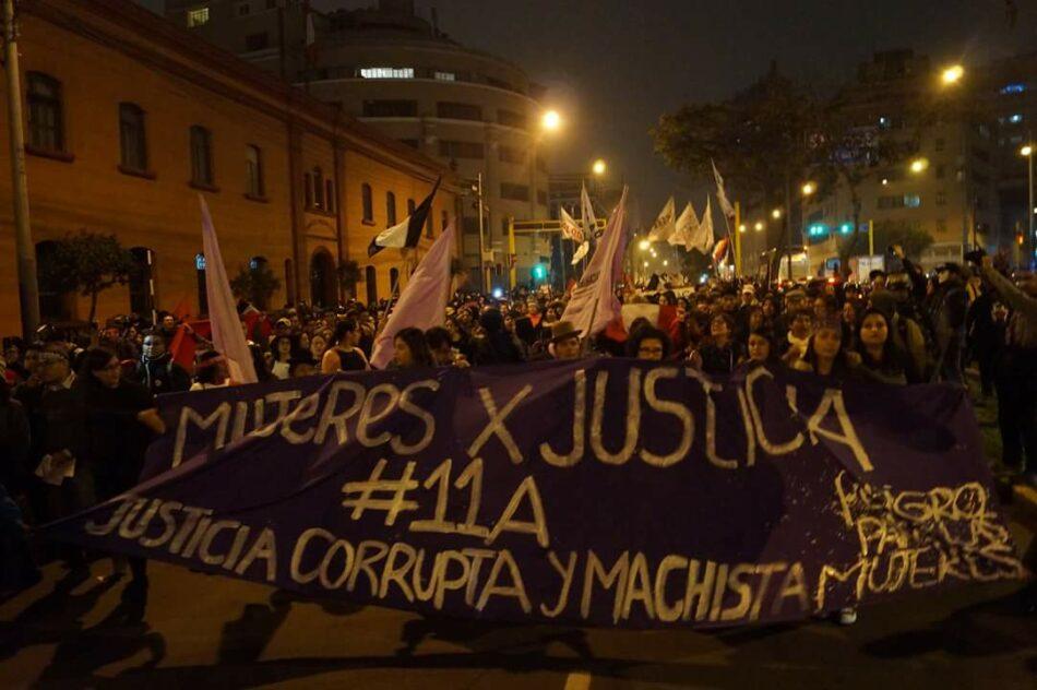 Las marchas contra la corrupción concluyen con enfrentamientos entre policía y manifestantes en Perú