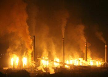 Organizaciones ecologistas de Asturias denuncian los alarmantes niveles de emisión de materiales tóxicos