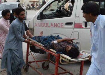 Ascienden a 128 los muertos por atentado con bomba en Pakistán