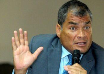 Justicia ecuatoriana ordena prisión preventiva para Rafael Correa