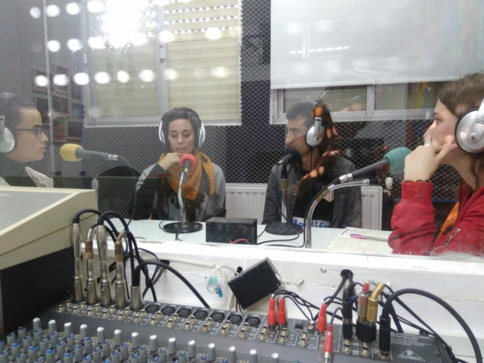 La Red de Medios Comunitarios (ReMC) y el sindicato de periodistas denuncian que el Gobierno de Susana Díaz mantiene paralizada la Ley Audiovisual de Andalucía