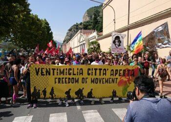 Caravana Abriendo Fronteras se moviliza en Vetinmiglia (Italia) por un permiso de residencia europeo