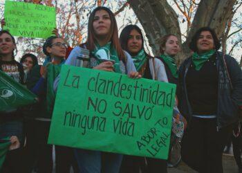 Muere una joven en Argentina tras practicarse aborto clandestino a dos días de la votación para su legalización en el Senado