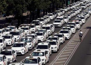 IU Alcalá de Henares: «Máximo apoyo y solidaridad a la huelga convocada por el sector del taxi para reclamar la limitación de las licencias VTC»