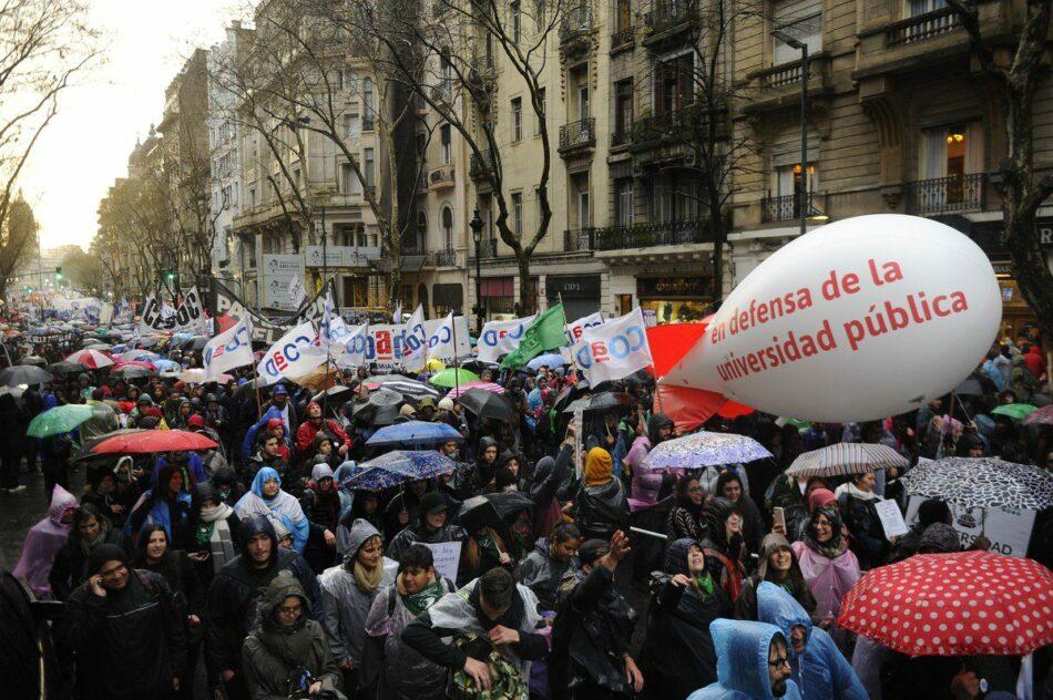 Movilizaciones masivas de estudiantes y profesorado en defensa de la educación pública en Argentina