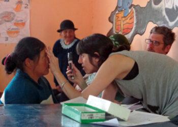 Bloqueo de EEUU paraliza tres envíos de fondos desde el País Vasco a Argentina para apoyar proyecto cubano de salud visual