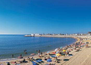 La CGT convoca una concentración de los socorristas de las playas de Barcelona