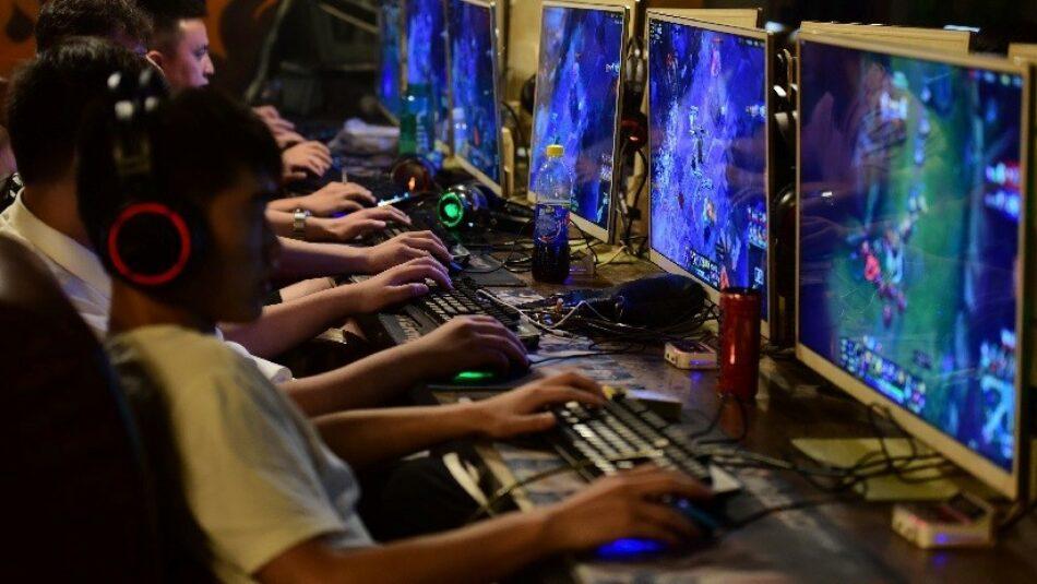 China planea regular el número de videojuegos para proteger la vista de los menores