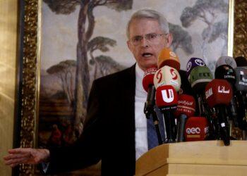 Un senador norteamericano denuncia el plan del MI6 para fingir un ataque con armas químicas en Siria