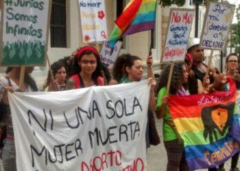 ALBA Movimientos-Declaración: Pañuelos verdes ondean en toda NuestraAmérica