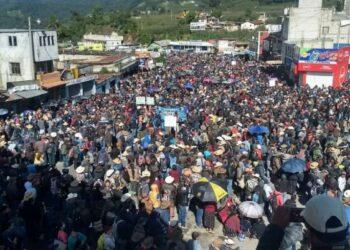 Protestas masivas en Guatemala exigen la dimisión de Jimmy Morales