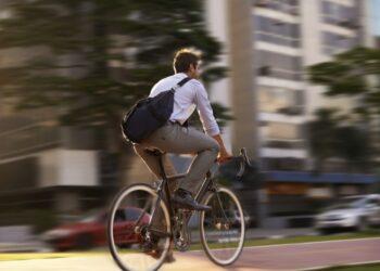 El ecologismo apuesta por un mayor protagonismo de peatones y bicicletas en la Semana Europea de la Movilidad
