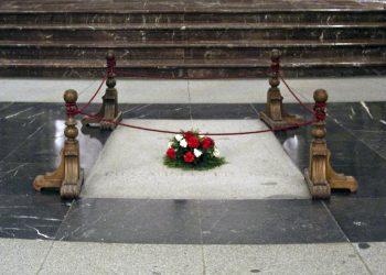 """El """"unboxing"""" de Franco, urgencia democrática"""