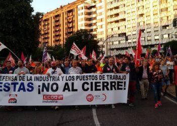 Miles de personas salen a las calles en León para protestas contra el cierre de Vestas