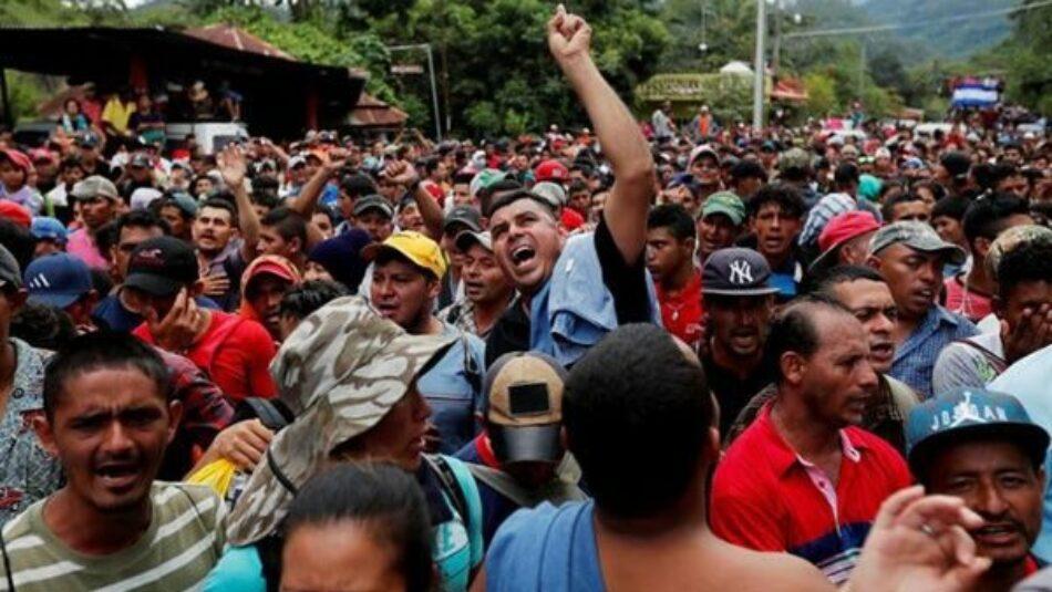 Caravana de migrantes hondureños ingresa a Guatemala