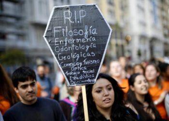 El Congreso aprueba una iniciativa de Unidos Podemos para recuperar la filosofía en los planes de estudio