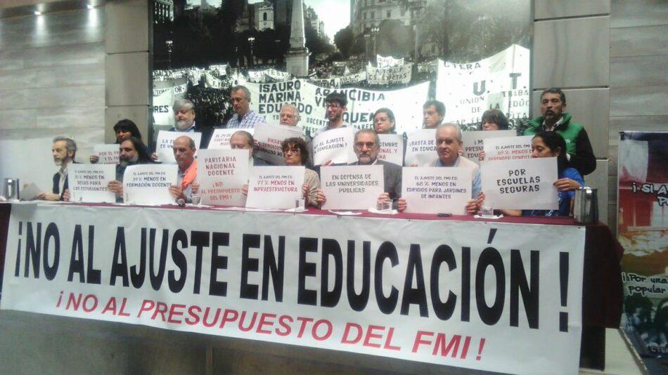 El profesorado argentino convoca huelga en contra de los recortes