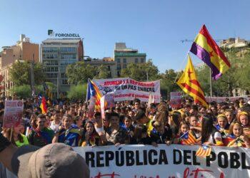 Els estudiants surten al carrer per denunciar que un any després de l'1-O l'Estat continua reprimint Catalunya
