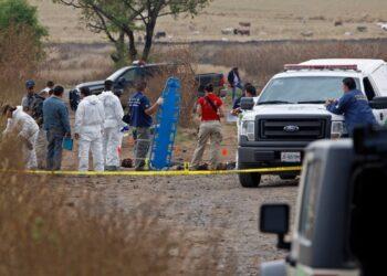 Hallan 6 cadáveres en un terreno baldío en Jalisco, México