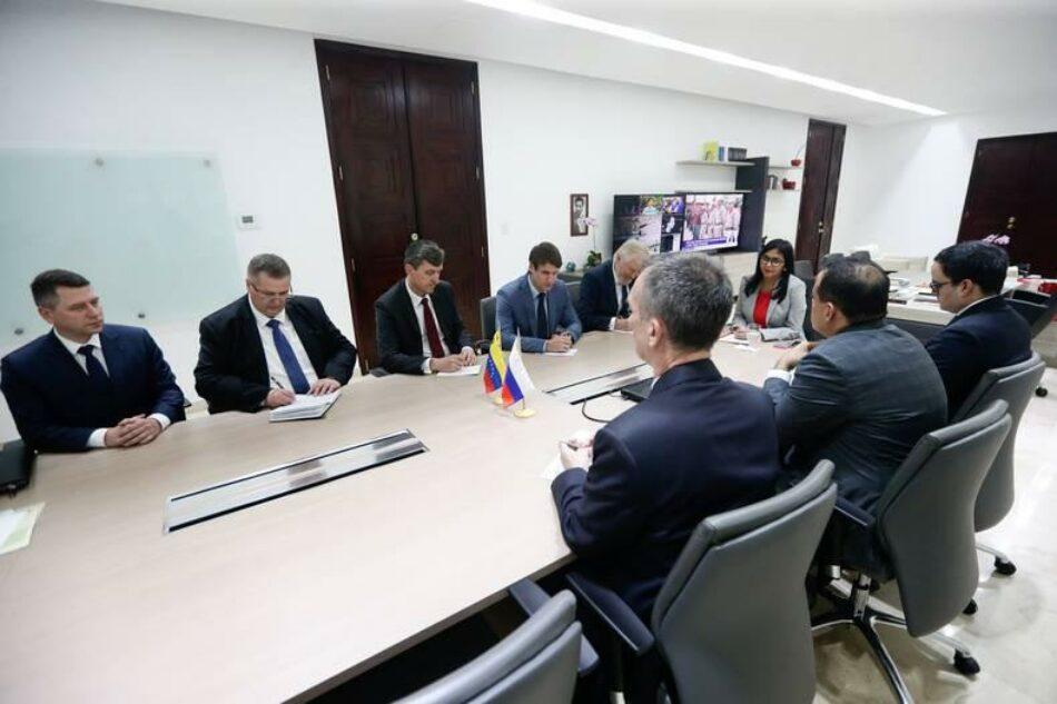 Venezuela y Rusia afianzan lazos para fortalecer programa de recuperación económica