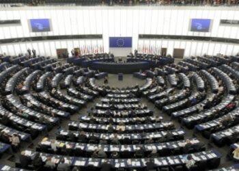 Izquierda Unida crea una comisión para que analice la situación de su delegación en el Parlamento Europeo