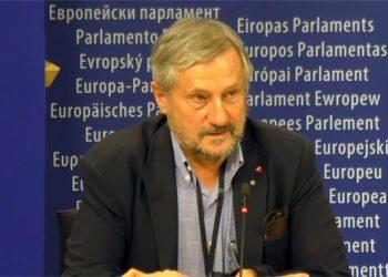 Willy Meyer, víctima de las torturas de «Billy el Niño»: «con el registro de esta petición queremos contribuir a acabar con la anomalía que en Europa significa España»