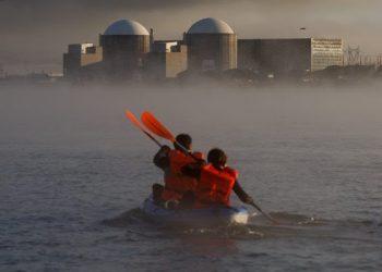 El Gobierno estará obligado a consultar a la sociedad y a evaluar el impacto ambiental antes de ampliar la vida de las nucleares