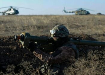 Presidente de Ucrania pide a OTAN que despliegue buques en mar de Azov