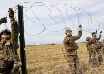 """Unos 200 """"milicianos"""" armados se dirigen a la frontera sur de EE.UU. para impedir la """"invasión"""""""