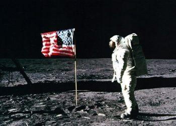 «Los cosmonautas rusos comprobarán si los estadounidenses realmente llegaron a la Luna»