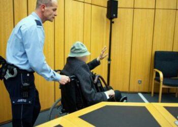 A sus 94 años: Inicia juicio en Alemania contra ex guardia de campo de concentración nazi
