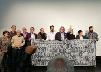 Asociaciones memorialistas y dirigentes políticos mostraron su rechazo al traslado de los restos del dictador a la Almudena en un acto multitudinario en el Auditorio Marcelino Camacho