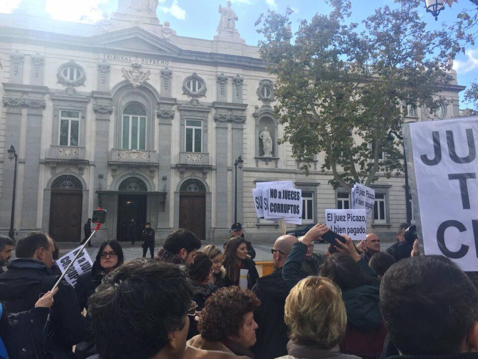 """CGT condena la falsa separación de poderes en un Estado """"democrático"""" que obedece a quien le paga"""