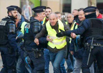 Continúan protestas en Francia y llaman a gran manifestación en París