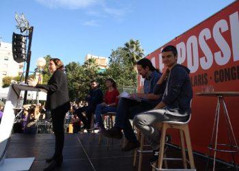 """Pablo Iglesias y Ada Colau presentan la """"agenda del cambio social"""" en Barcelona"""
