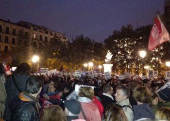 Masiva concentración frente al Tribunal Supremo tras la escandalosa sentencia de los impuestos hipotecarios