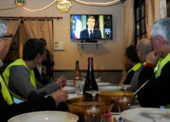 Francia. Sondeo: Aprobación de Macron cae al mínimo tras masivas protestas: apenas un 23%