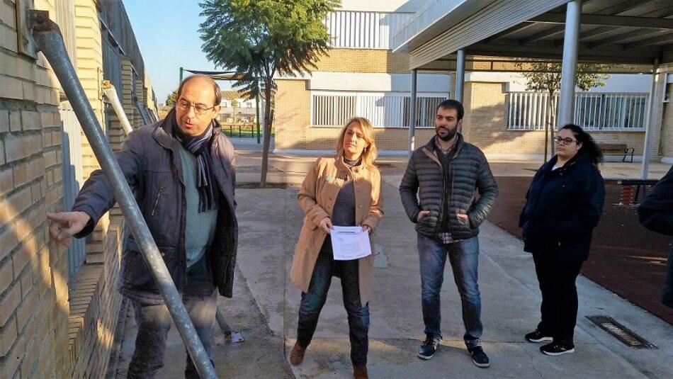 IU Sevilla urge a arreglar el muro del CEIP José Sebastián y Bandarán ante el riesgo que supone para el alumnado