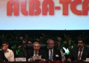 Raúl en la inauguración de la Cumbre del ALBA-TCP: ¡Que nadie ni nada nos descarrile!