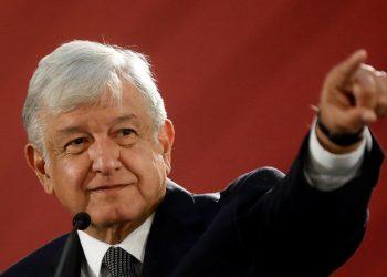 López Obrador con Juárez: el respeto al derecho ajeno es la paz