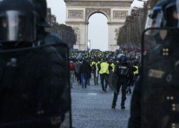Francia. Una nueva jornada de manifestaciones de los 'chalecos amarillos' bajo el lema 'Todos al Eliseo', en imágenes