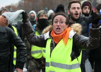 La policía francesa detiene a 278 manifestantes en París antes de iniciarse las movilizaciones de los chalecos amarillos