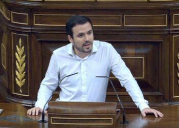"""Alberto Garzón reclama a Sánchez una """"alternativa clara"""" al """"agotamiento de la Unión Europea del neoliberalismo y del ascenso de la extrema derecha"""""""